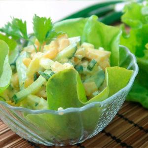 Салатик с кукурузой и огурчиками