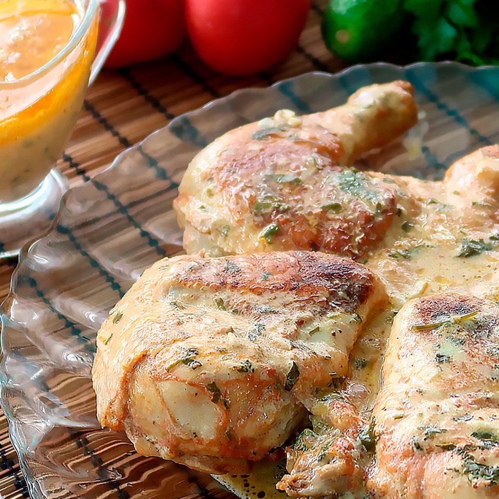 Цыпленок табака (тапака) на сковороде