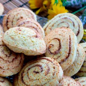 Творожное печенье с корицей
