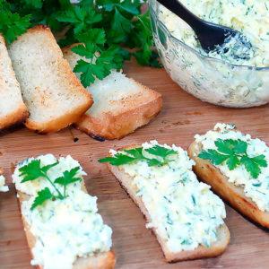Вкусная намазка на хлеб из простых продуктов